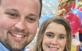 Counting On - Josh Duggar Makes A Rare Appearance On Wife Anna's Instagram To Celebrate Her 32nd Birthday