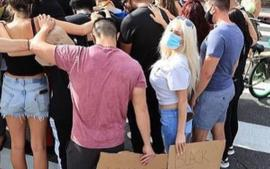 Courtney Stodden Calls Out President Donald Trump's Supporters And Shouts 'Black Lives Matter' At Them