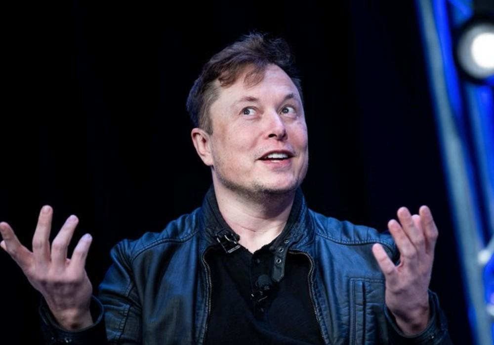 Elon Musk Tweets Political View That Could Get Him 'Into Trouble,' Gets Support From Joe Rogan