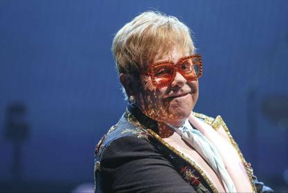 Elton John Pays For Knee Surgery Of Former Fiancée - Even Though He Broke Up With Her Months Before Their Wedding