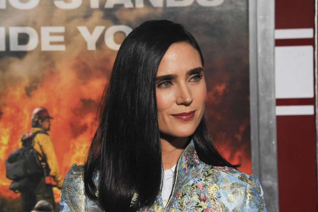 Jennifer Connelly Reveals That She And Her Husband Are 'Losing Track Of Time' In Quarantine