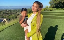 Kylie Jenner Dazzled In A Lime Green Ostrich Effect Leather Coat