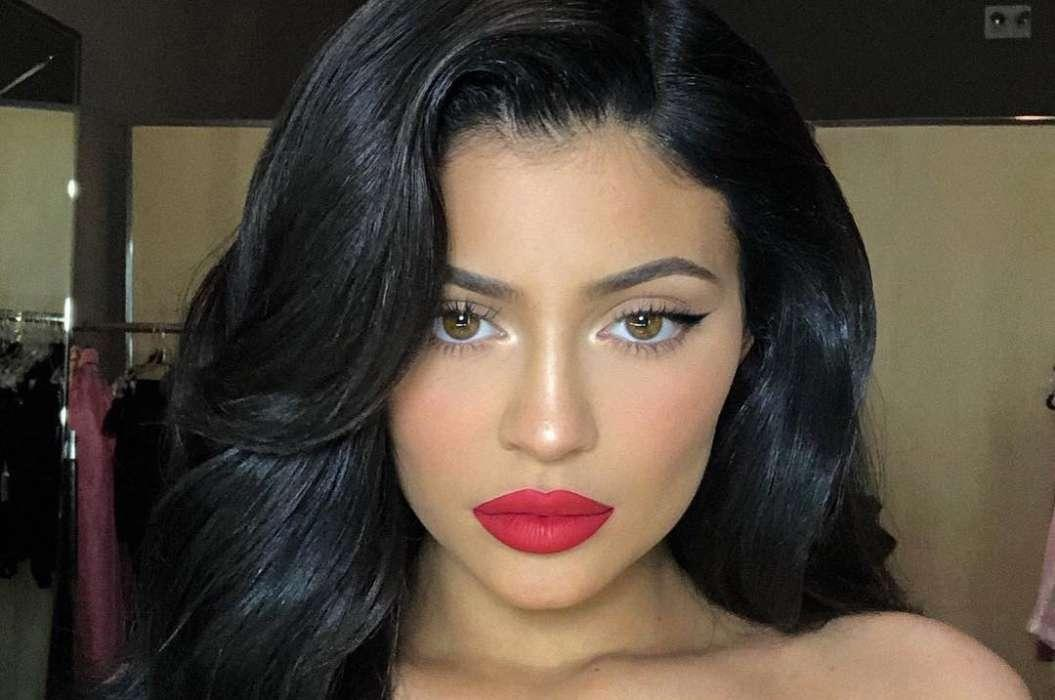 Kylie Jenner Doesn't Care About Being Called Drake's 'Sidepiece' In New Song