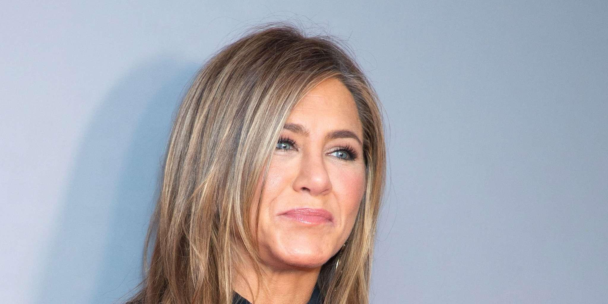 Jennifer Aniston Reveals She Likes To Re-Watch 'Friends' Episodes And Bloopers!