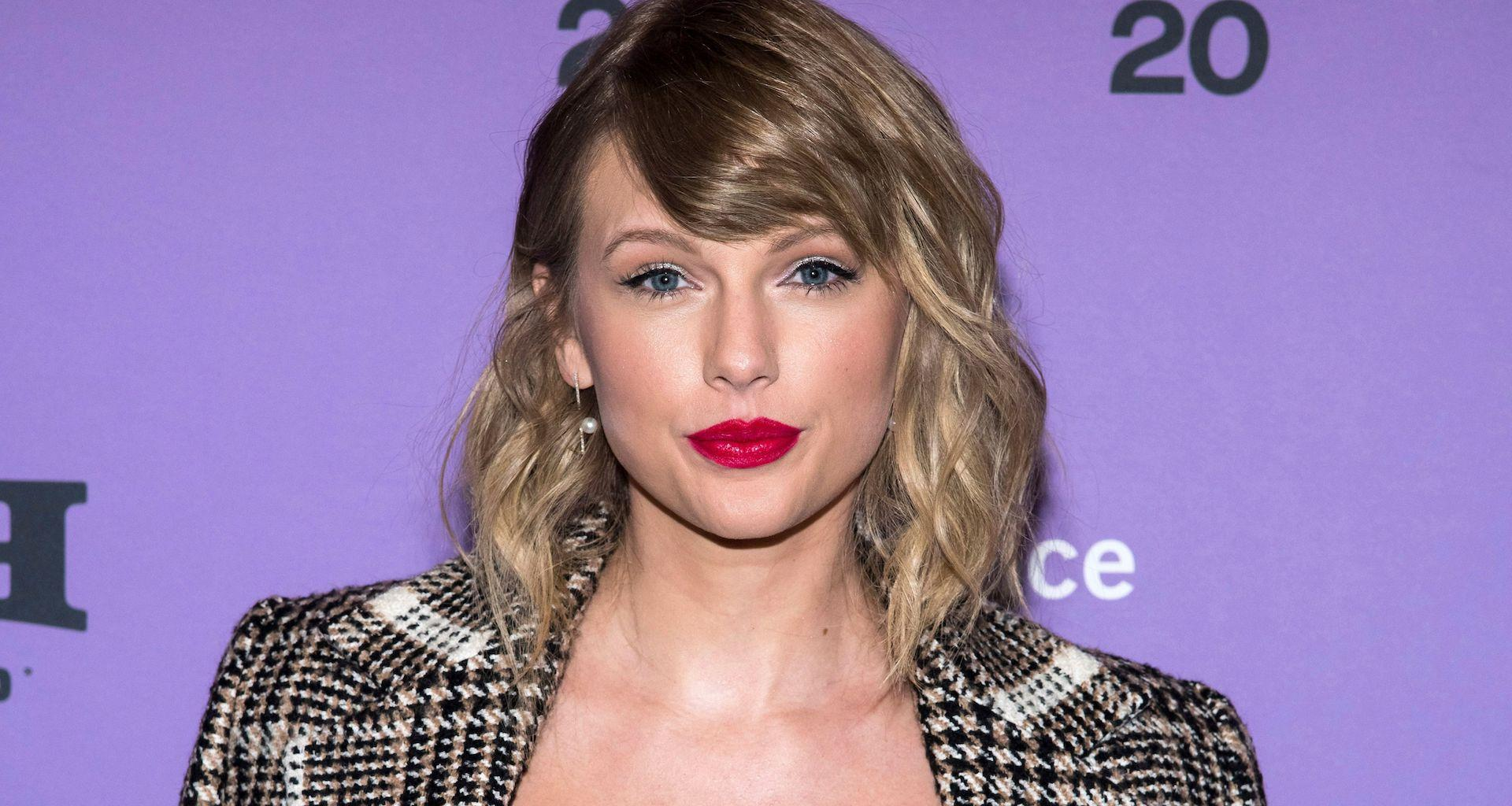 Taylor Swift Demands For The Racist Statues In Her State To Be Taken Down - Says They Make Her 'Sick!'
