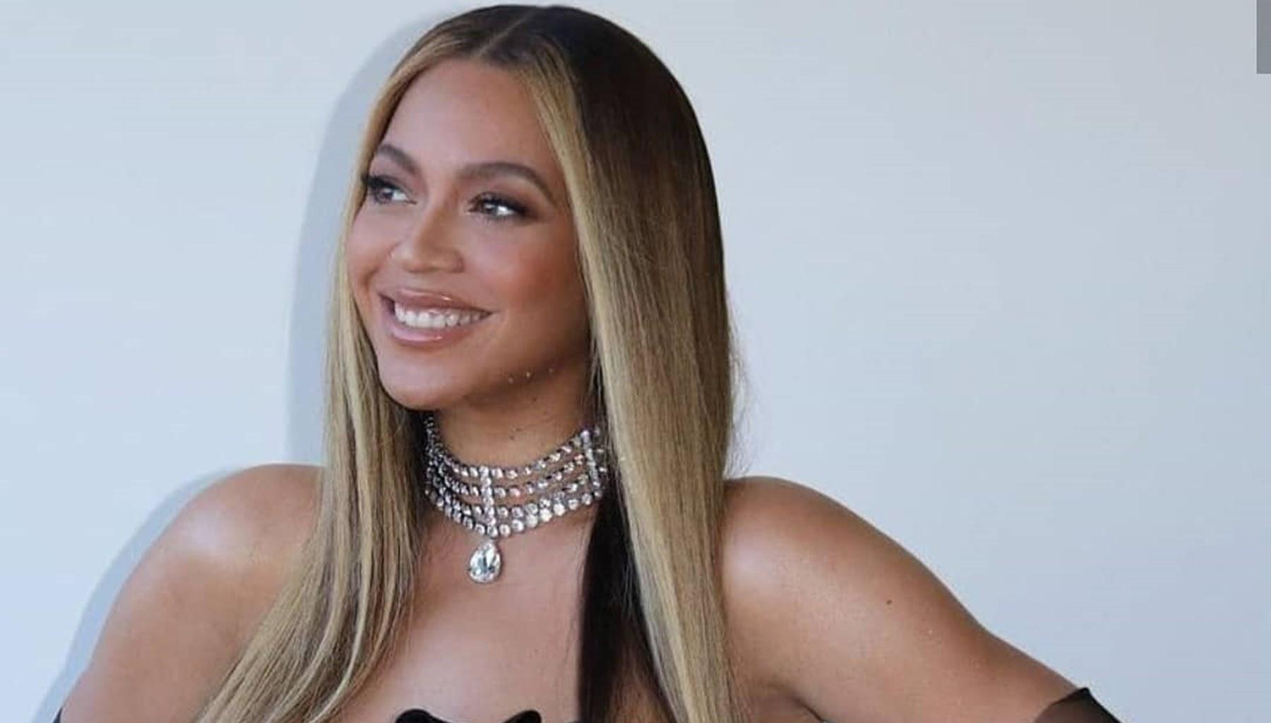 Beyoncé Looks Like A Real-Life Barbie Doll In Stunning New Photos