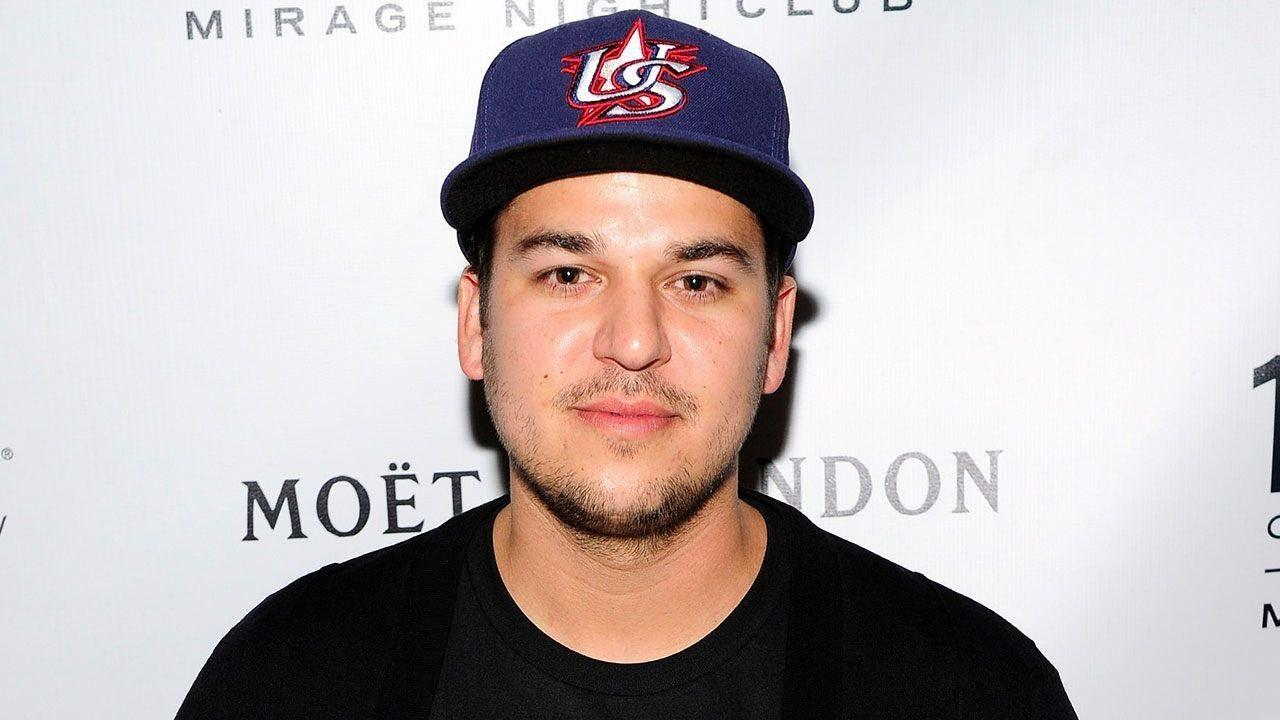 KUWTK: Rob Kardashian Posts Selfie Showing Off His Flat Belly And Fans Shower Him With Love And Support!