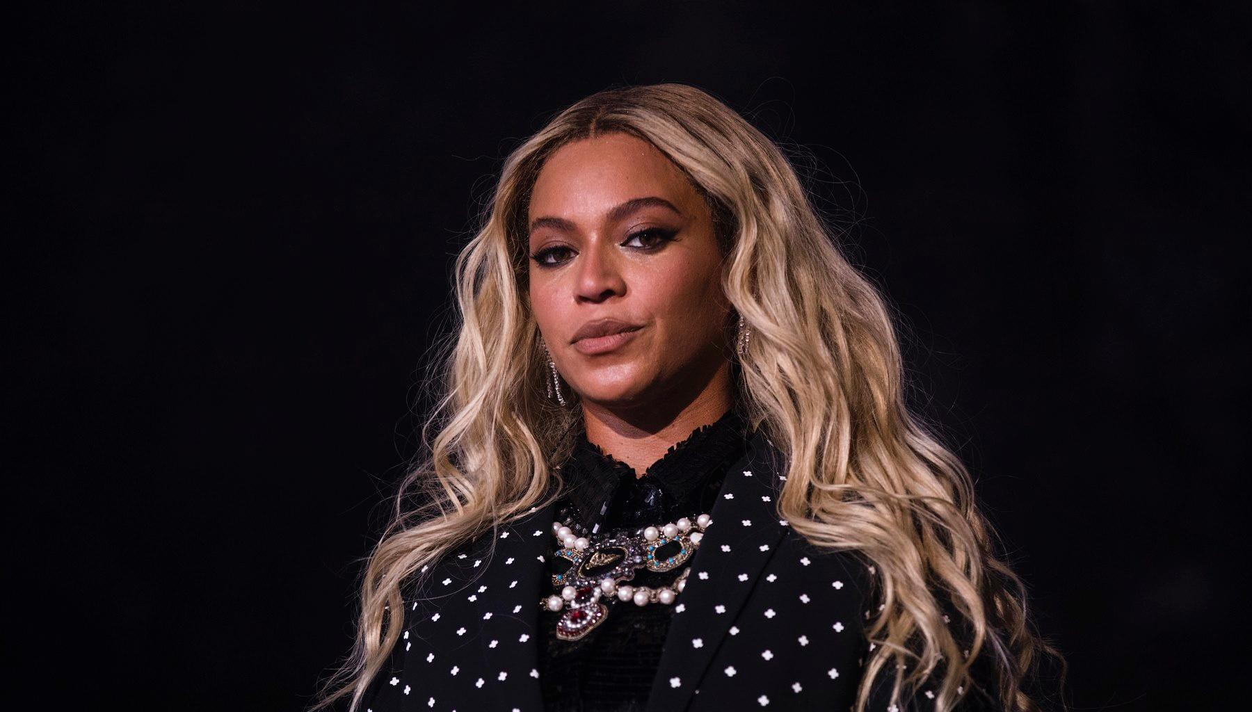 Tina Knowles Goes To Bat For Daughter Beyoncé After Being Hit With Tons Of Criticism For This Video