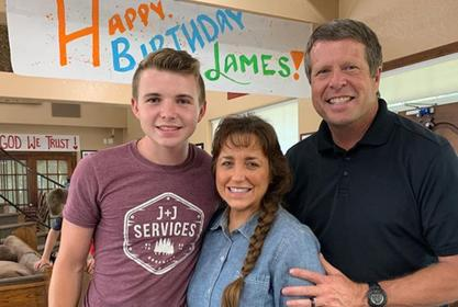 Counting On - James Duggar Shows Off His Chainsaw Skills In The Most Creative Way