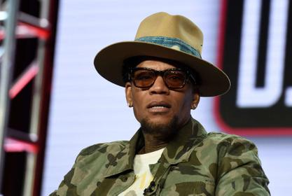 D.L. Hughley Drags Kanye West - You Can't Be 'Humane And A Black Trump Supporter' At Same Time!