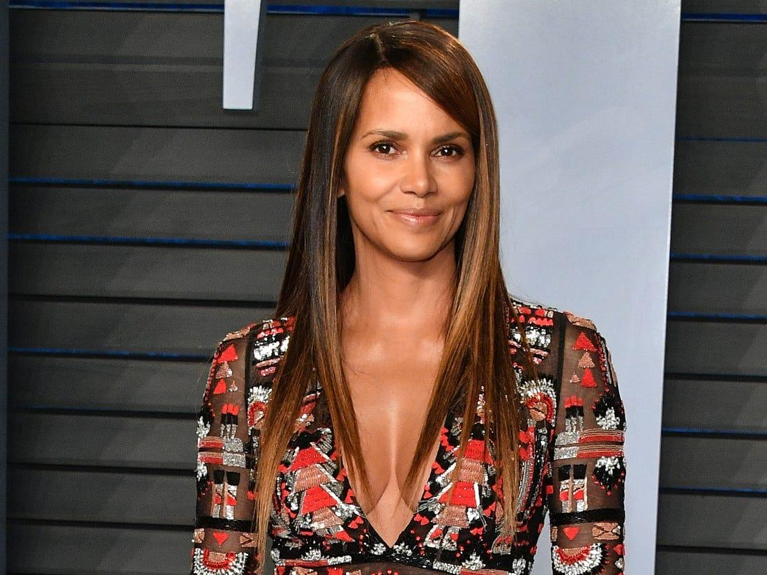 Halle Berry Posts Intimate Pic With Unknown Man And Fans Freak Out!