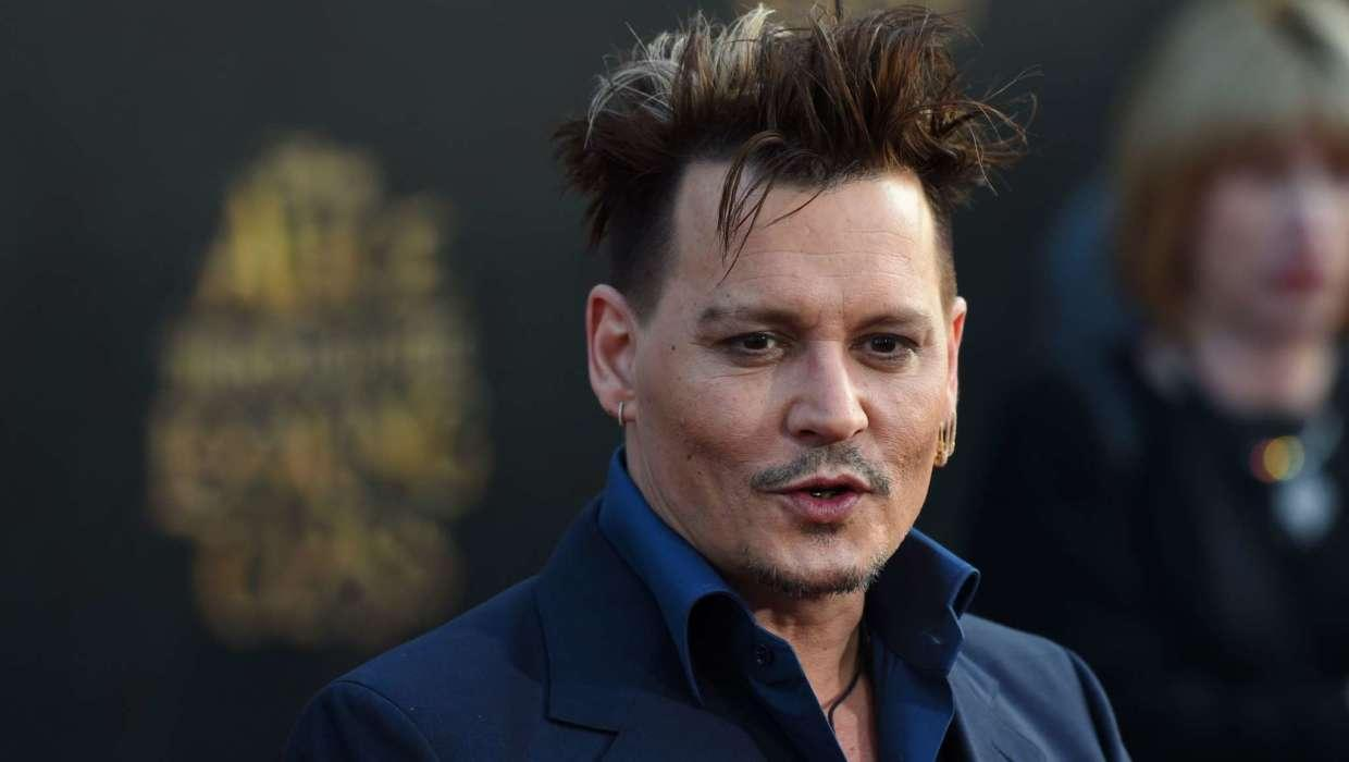 Johnny Depp Vandalized A Glass Frame Which Held The Painting Belonging To Amber Heard - He Changed The Name To 'PEE'