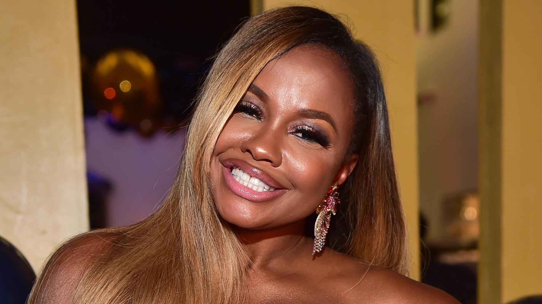 Phaedra Parks Shows Off Her Weight Loss Results - See Her Toned Abs