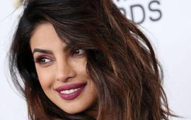 Priyanka Chopra Opens Up About Her Quarantine Interests - Cocktails, Hosting Brunches And Learning Instruments!