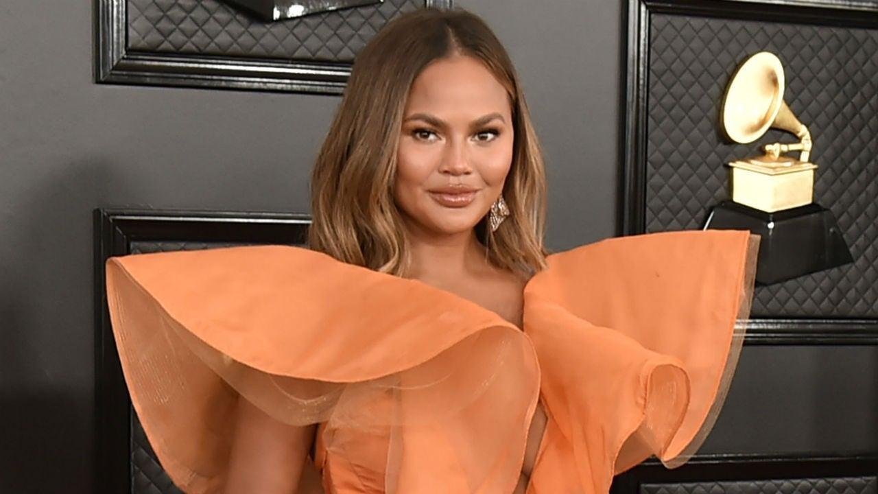 Chrissy Teigen Shows Off Amazing At-Home Preschool She Put Together For Her Kids!