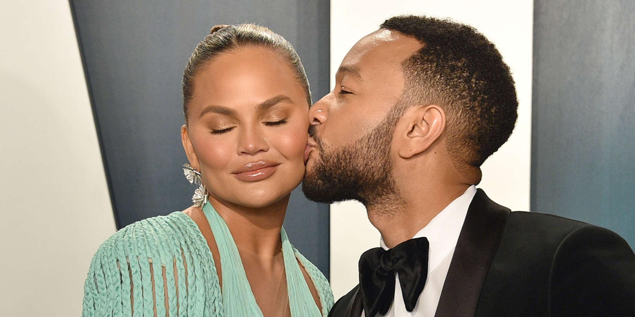 Chrissy Teigen Claps Back At Hater Threatening And Insulting Her!