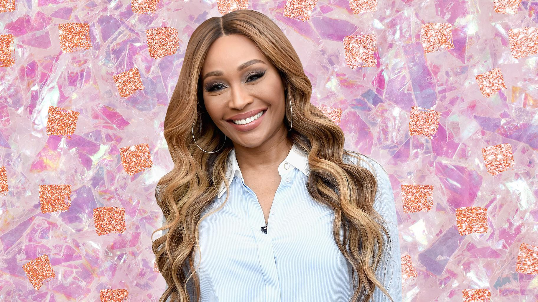 Cynthia Bailey Looks Amazing In This Vividly-Colored Outfit