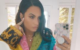 Demi Lovato Is Colorful In Luxurious Versace Robe