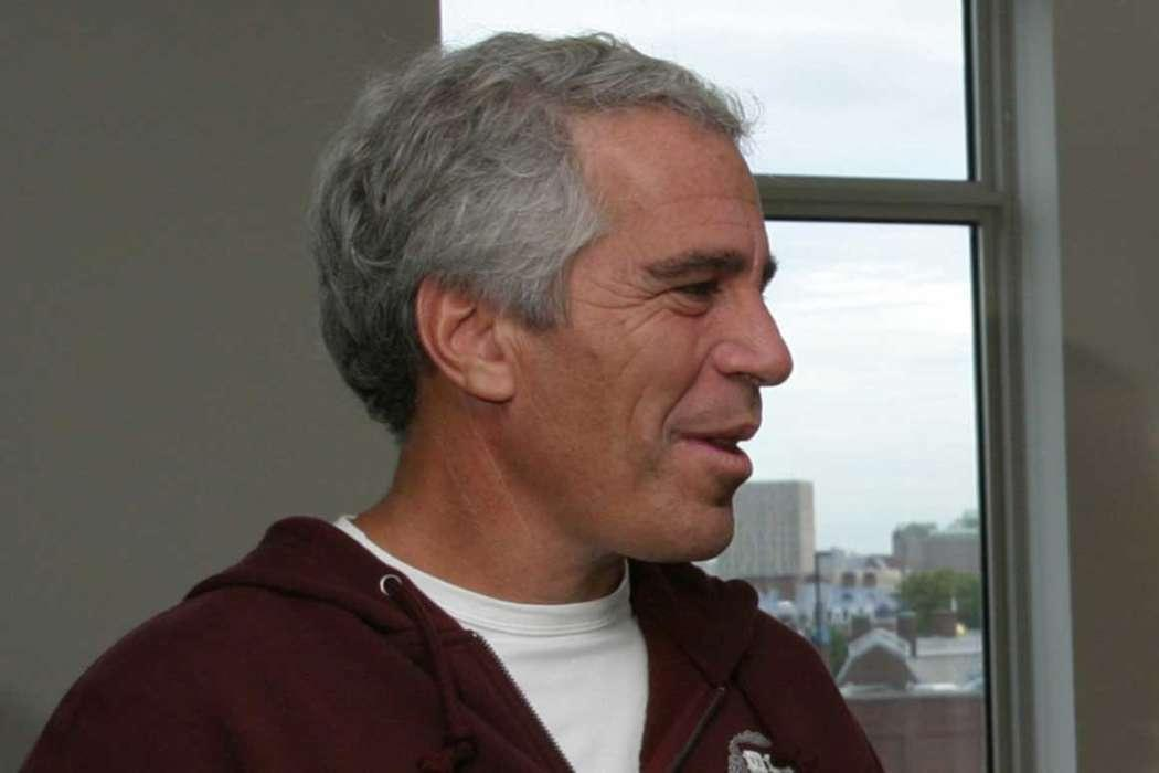Jeffrey Epstein Once Told Ghislaine Maxwell To Not Act Like An 'Escaping Convict' Because She 'Did Nothing Wrong'