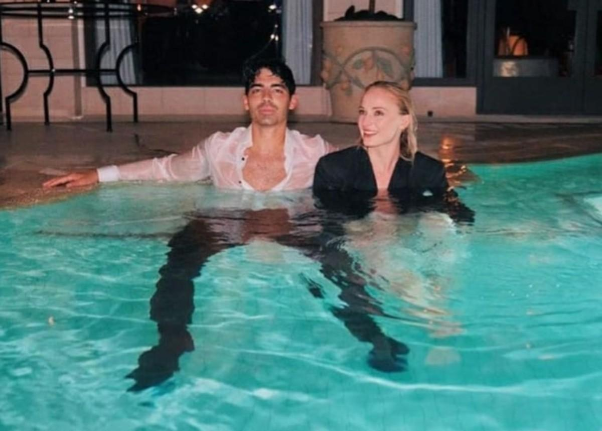 Joe Jonas And Sophie Turner Are Twinning In First Photo Since Baby Willa Was Born