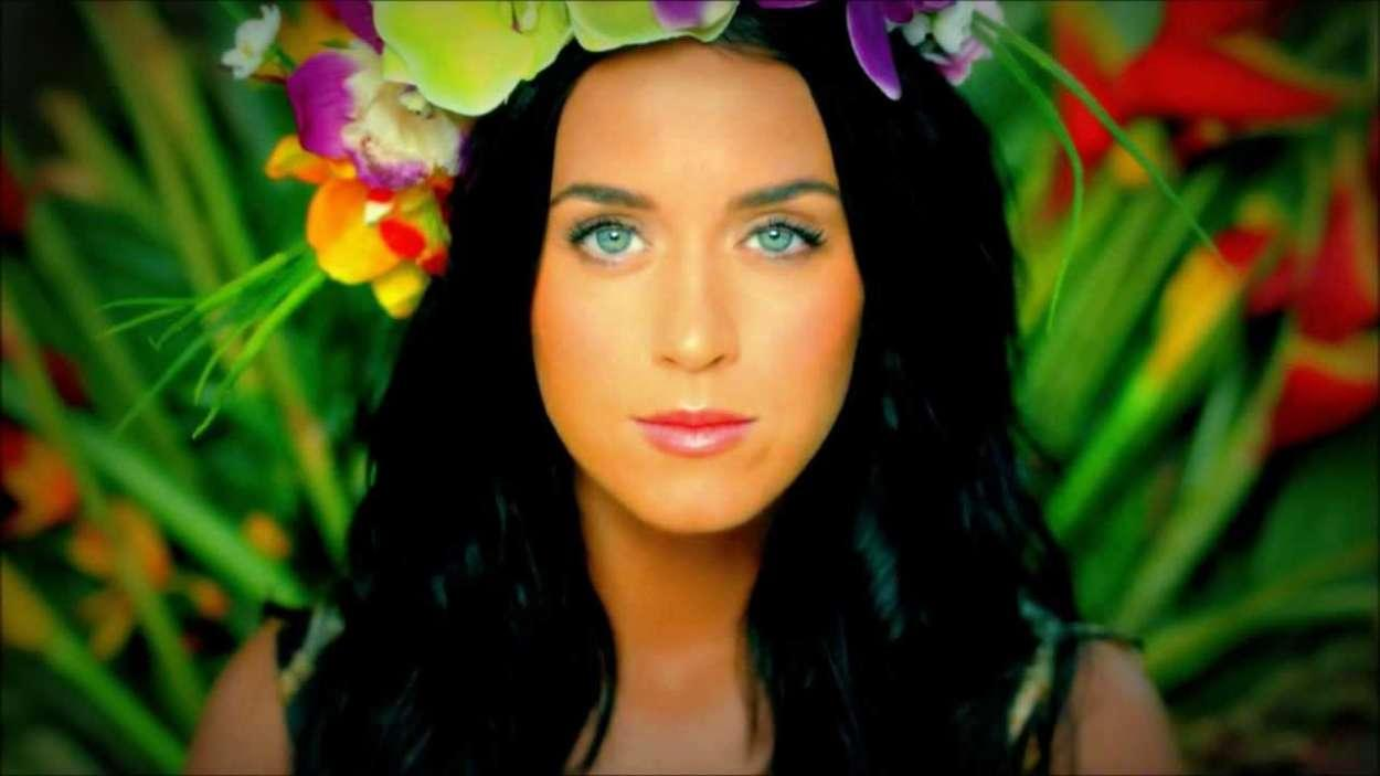 Katy Perry Continues To Defend Ellen DeGeneres Amid 'Toxic' Workplace Allegations