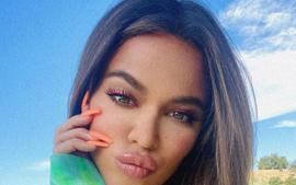 Khloe Kardashian And True Thompson Twin In Burberry Bathing Suits — Is She Hiding A Baby Bump?