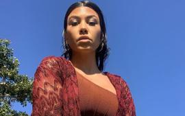 Kourtney Kardashian Flaunts Her Curves In Blue Microkini With Addison Rae As Some Say The Photos Are Weird