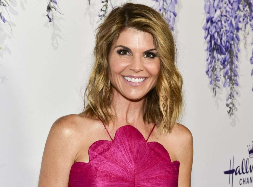 Lori Loughlin And Mossimo Giannulli Reportedly Told Their Daughter Olivia Jade To Keep Quiet When Talking To High School Counselor About Rowing Crew