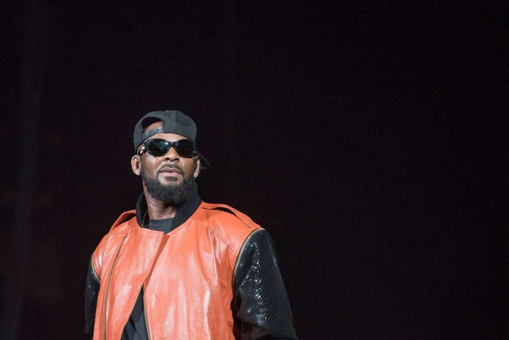 R. Kelly's Manager Slapped With Federal Charges For Allegedly Threatening A Movie Theater Owner Who Screened Surviving R. Kelly