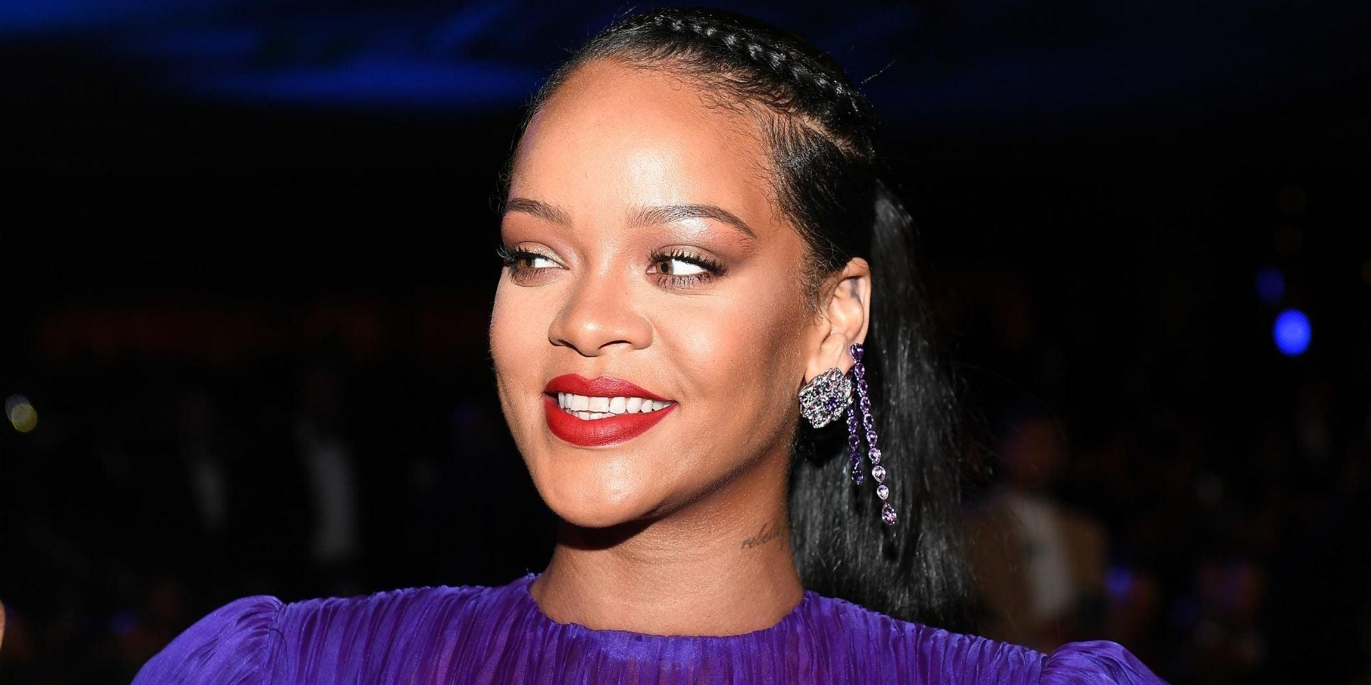 Rihanna Hilariously Embodies Her Fans By Asking Look-Alike Woman - 'Where The Album Sis?'