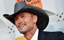 Tim McGraw Says He Remembers The Exact Moment He Met His Wife Faith Hill