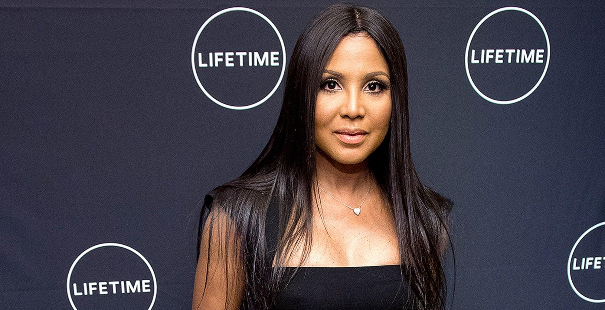 This Video Featuring Toni Braxton Putting A Vibrator On Her Face Has People Slamming Her