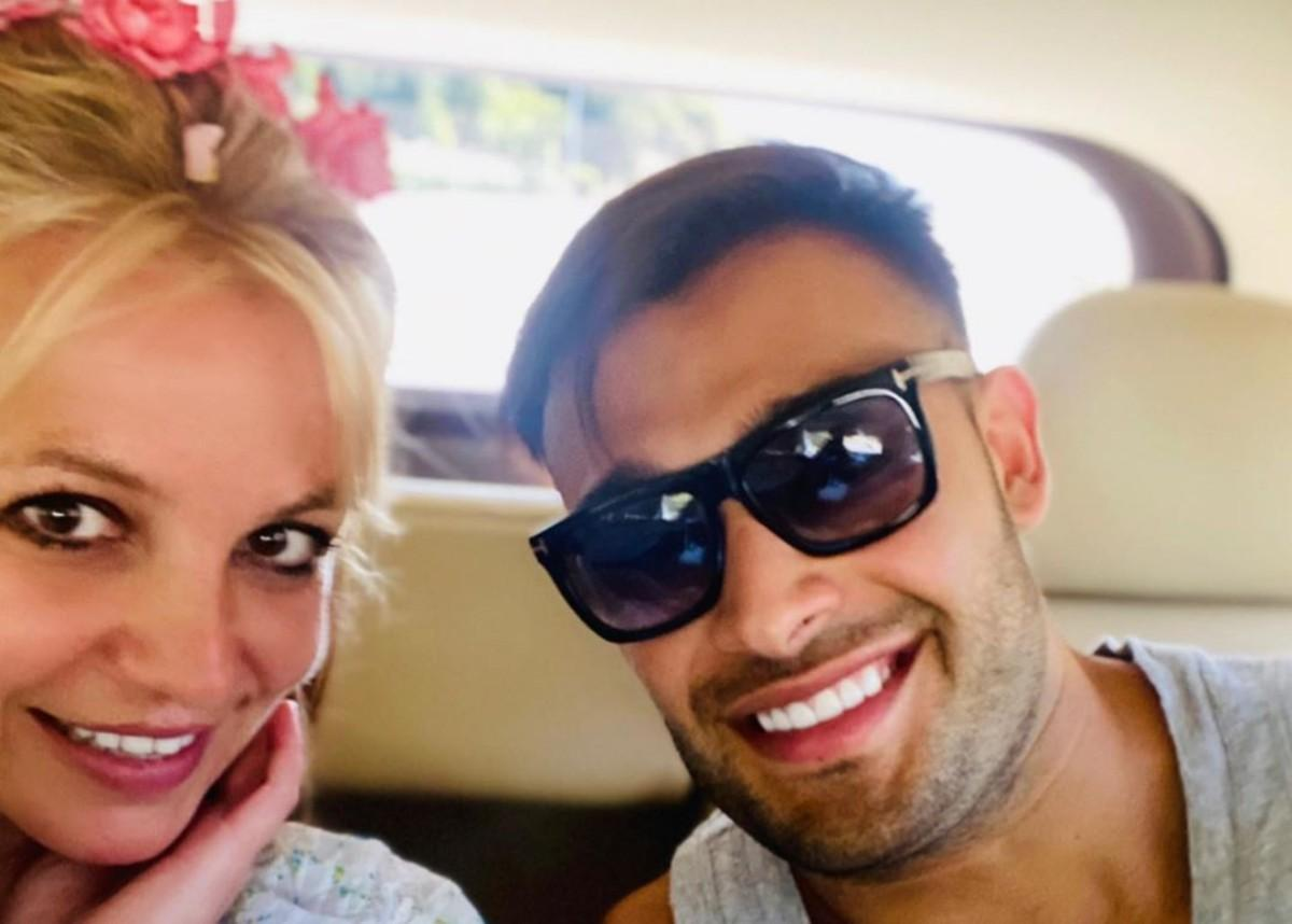 Britney Spears' Boyfriend Sam Asghari Defends Her Again After She's Bullied On Instagram