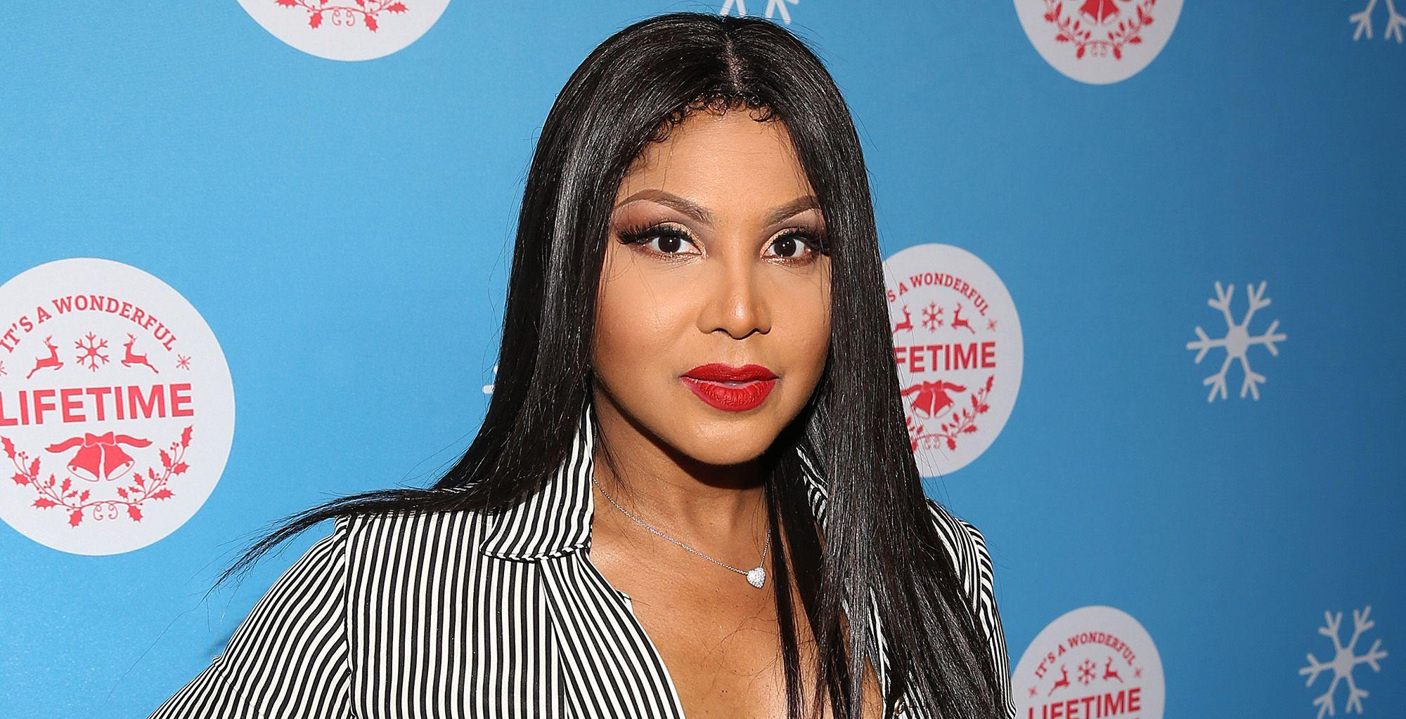Toni Braxton Shows Fans One Of Her Favorite Masks - Check Out Her Clip