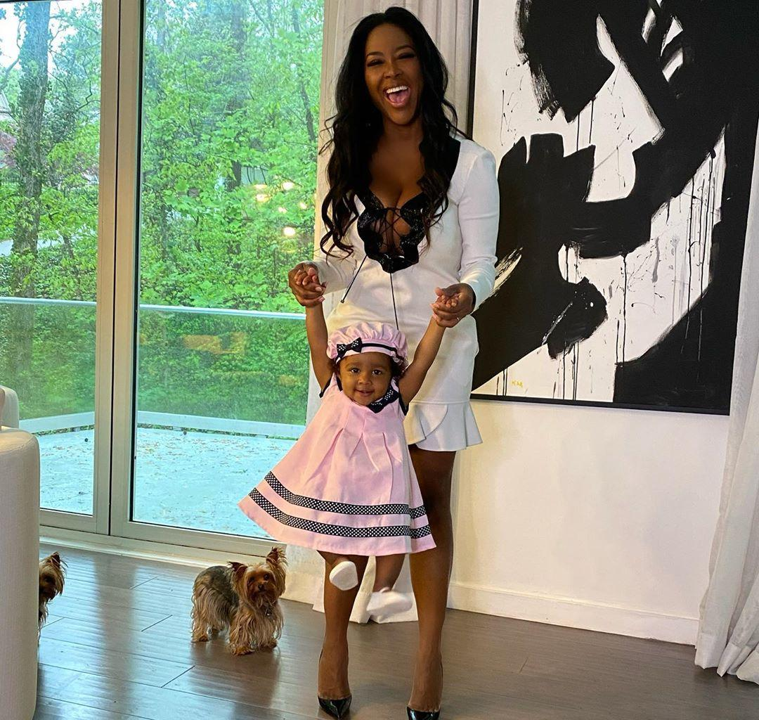 When Kenya Moore's Baby Girl Smiles, The Whole World Is Smiling - See Brookie's Video