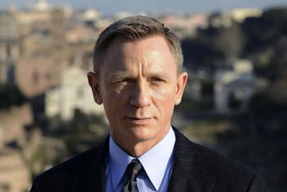 Daniel Craig Agrees It's Not The Appropriate Time For No Time To Die To Come Out