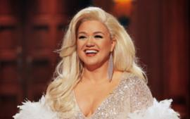 Kelly Clarkson's Divorce Takes Unexpected Twist As Father-In-Law's Management Company Files Suit Against The Singer