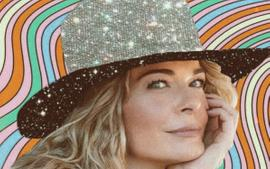 LeAnn Rimes Poses Without Any Clothes For World Psoriasis Day