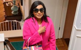 Mindy Kaling Hid A Baby Bump In Her Fashionable Outfits And The Internet Is In Shock!