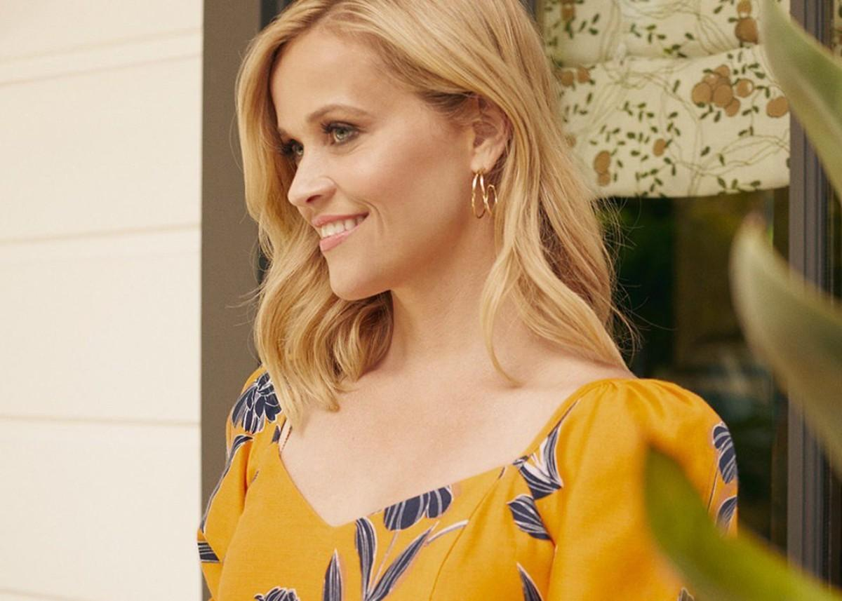 Reese Witherspoon Wore Draper James On The Drew Barrymore Show — See The Look!