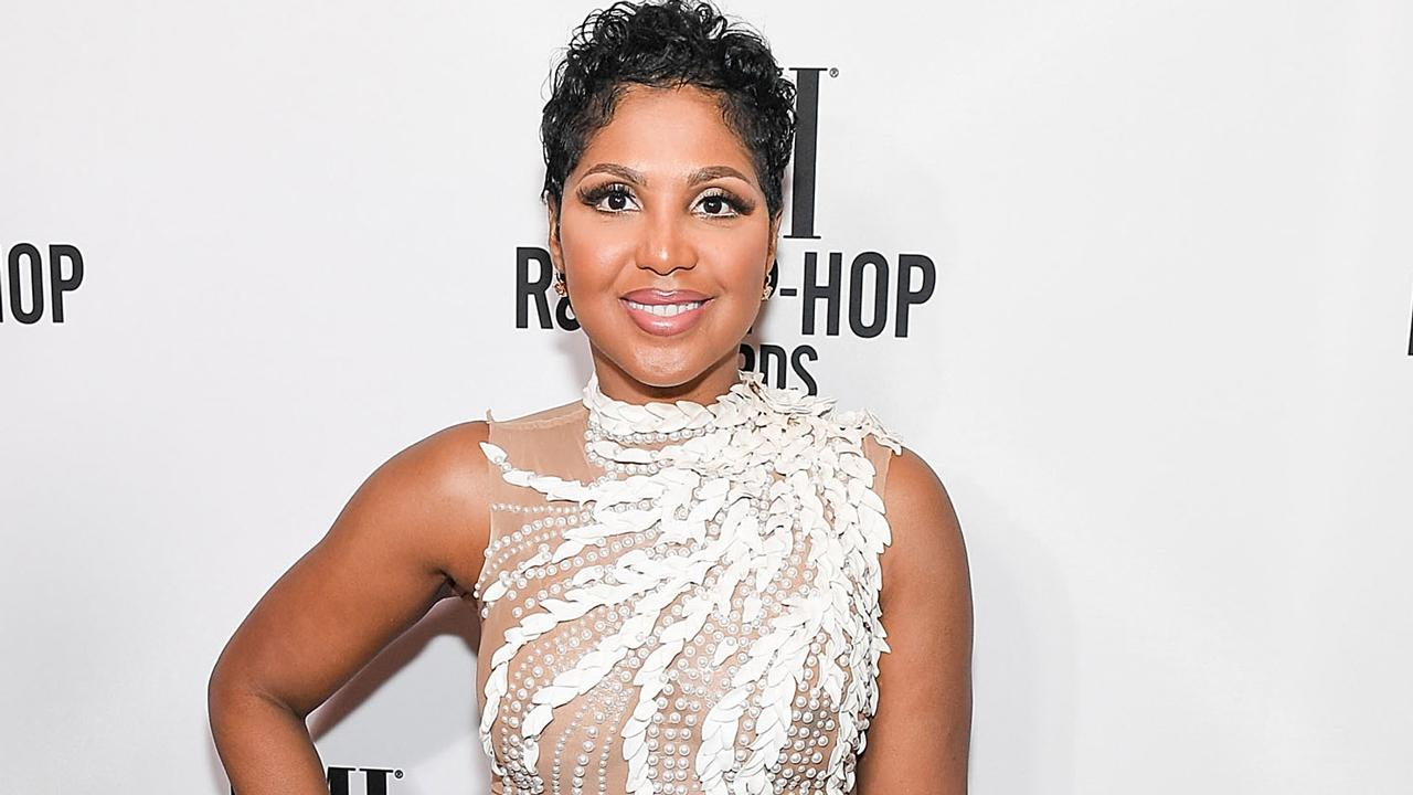 Toni Braxton Is Tricked By Her Sister Towanda In A Hilarious Birthday Surprise (Video)