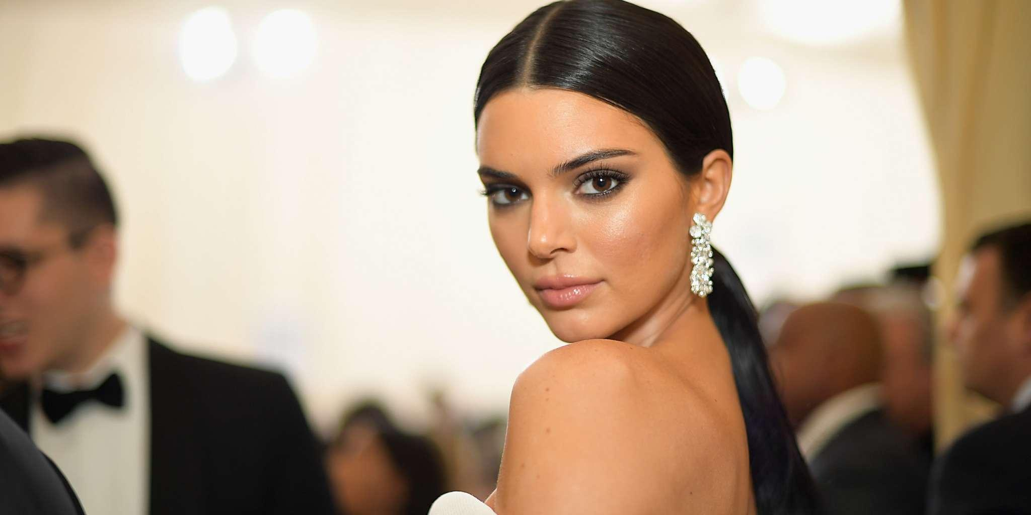 KUWTK: Kendall Jenner Chose A Relaxing Trip To Kris' Place In Palm Springs With Kylie And Hailey Baldwin For Her Birthday - Here's Why!