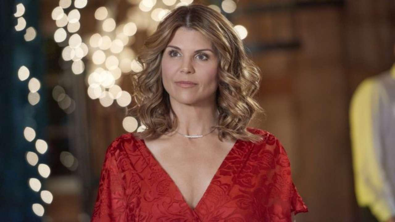 Lori Loughlin - Here's Why She'll Be Back Home On Christmas Eve Before Serving Her Full Sentence!