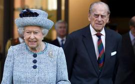 Queen Elizabeth And Prince Philip Allegedly Still 'Don't Know Why' Prince Harry Left The Royal Family