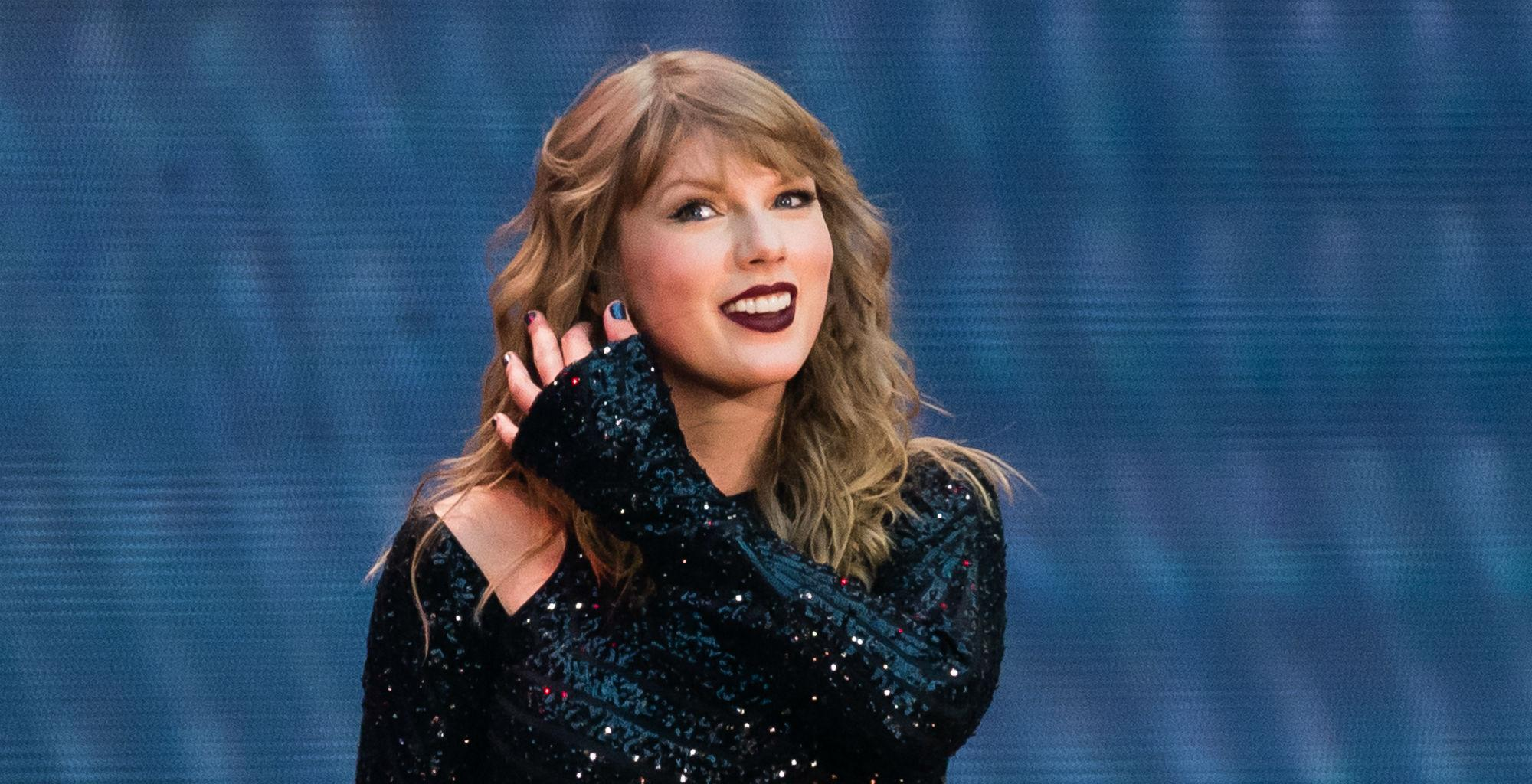 Taylor Swift Reportedly Misses Being On Stage - Can't Wait To Get Back On Tour!
