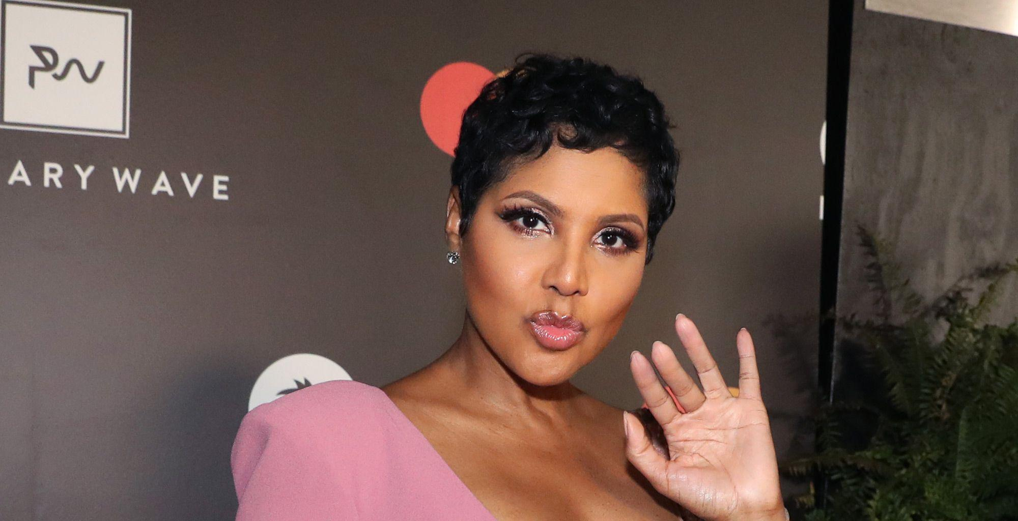 Toni Braxton's Fans Tell Her She's The Most Beautiful Woman To Ever Grace Earth - See The Video That Has People In Awe