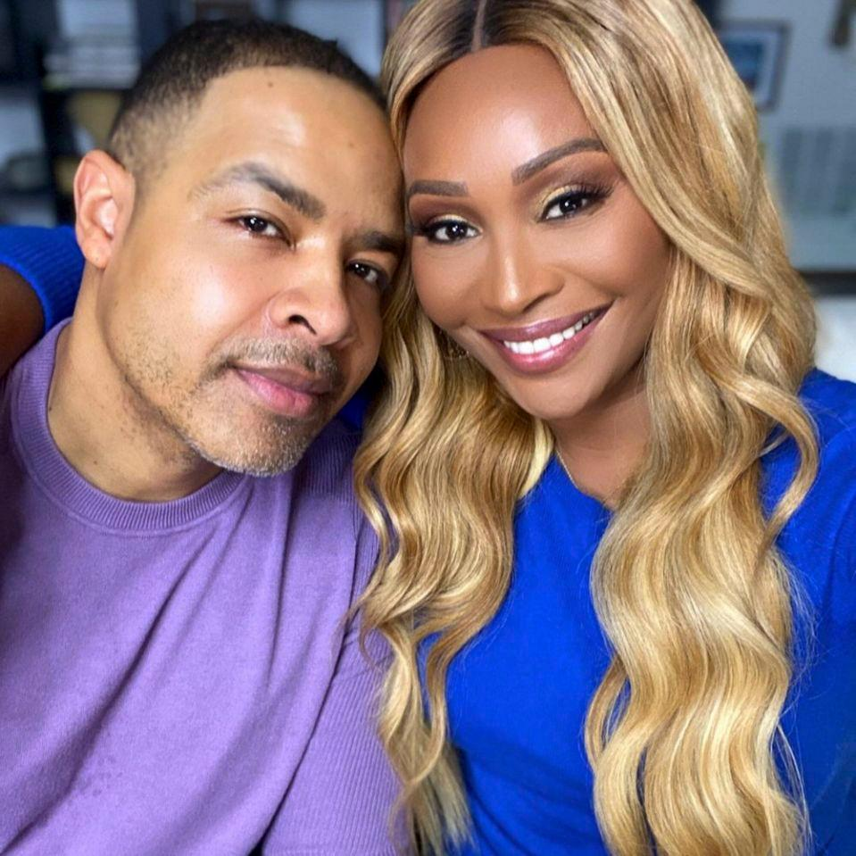 Cynthia Bailey And Mike Hill Have Fun Decorating Their First Christmas Tree Together - See The Video