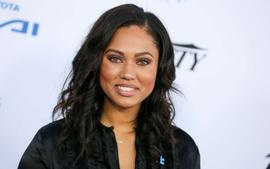 Ayesha Curry Shows Off Her Twerking Skills In Tight Leather Pants!