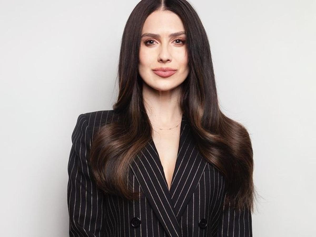 Hilaria Baldwin Ditches Spanish Accent, Comes Out As Hillary,  A White Girl From Boston