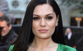 Jessie J Opens Up About Being Hospitalized On Christmas Eve After Suddenly Going Deaf!